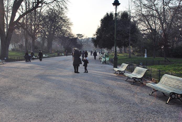 parc monceau allée centrale