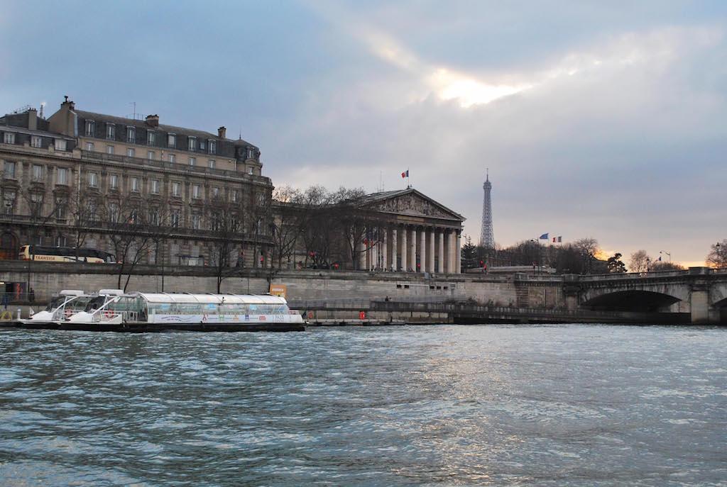 paris-seine-assemblee