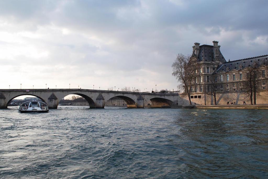 paris-seine-bateau-mouche