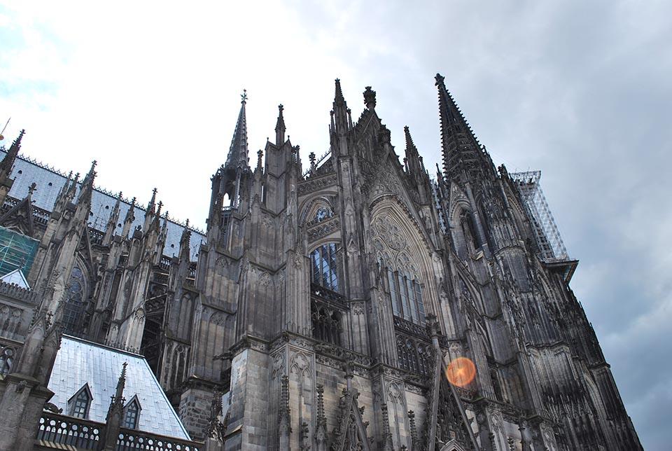 cologne cathedrale contre jour