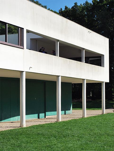 La villa savoye le corbusier hors du temps blog voyage for Lorie par la fenetre je regarde seul