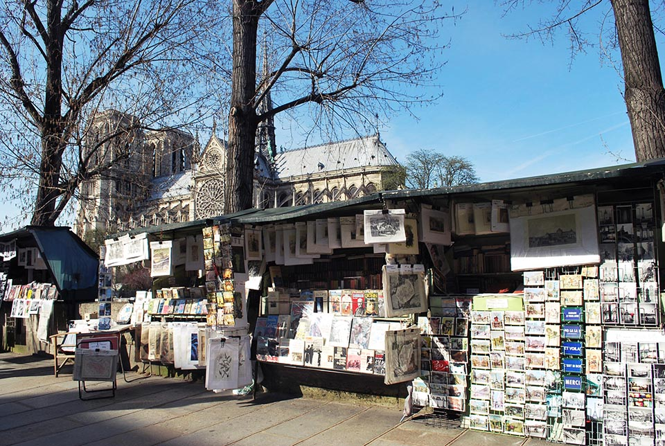 bouquinistes seine paris