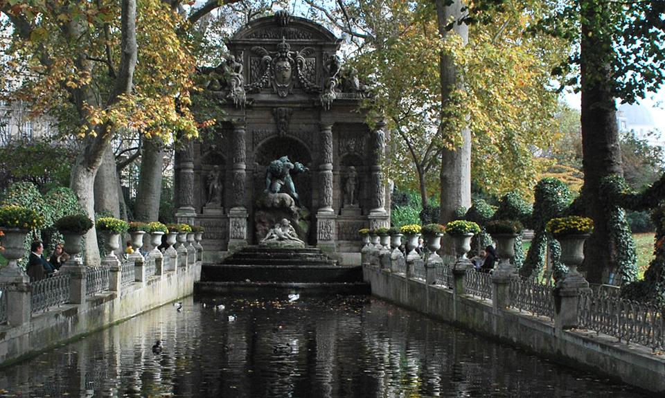 fontaine-medicis