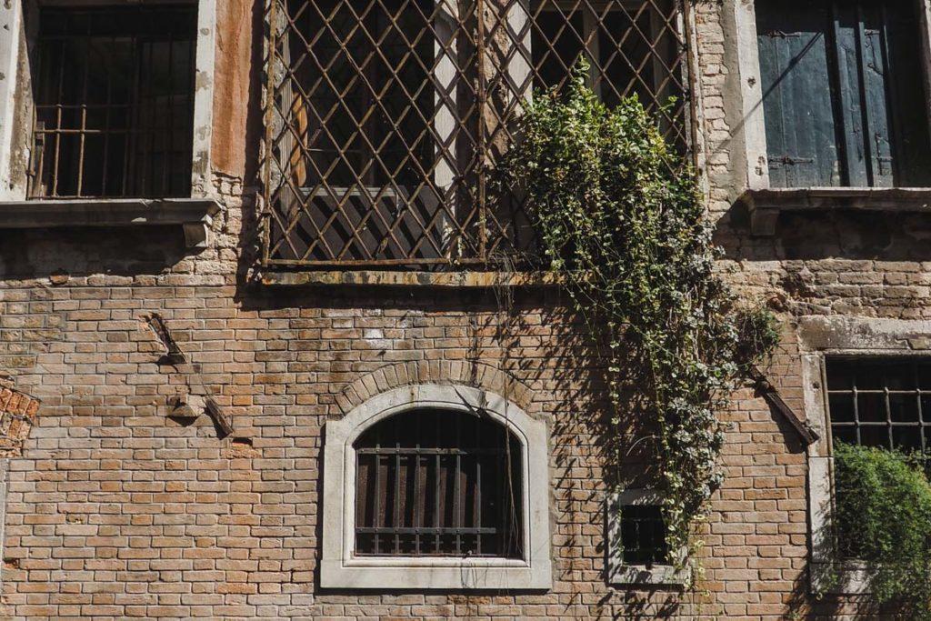 venise facade brique